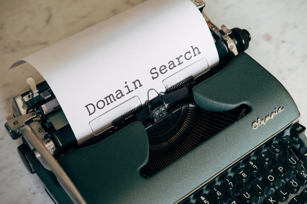 Domain experts here